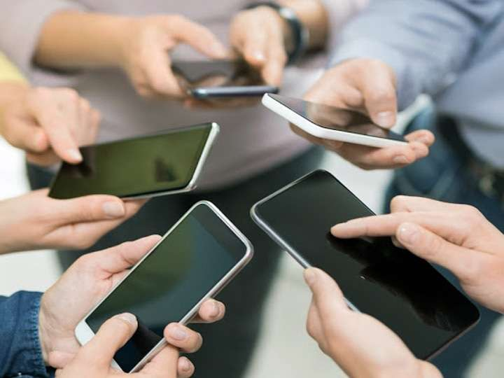 अगर बजट Smartphone खरीदने का है प्लान, तो ये हो सकते हैं बेस्ट ऑप्शन