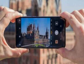 The intention is to buy a smartphone with 108MP camera, this is the best option in less than 25,000