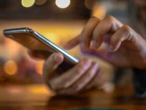 Smartphone Tips: If the phone is stolen, don't worry!  Delete the data in it like this